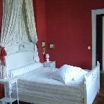 Zimmer Louis XVI, Bett