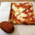 Pizza mozzarella and Supplì