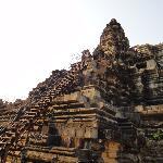 Лестница в храмовый комплекс