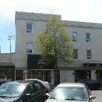 L'ancien bar Cité Pub est maintenant le restaurant Bravo.
