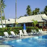 Chukit Dachanan Resort  Pool mit Rezeption im Hintergrund