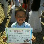 mi niño con un diploma