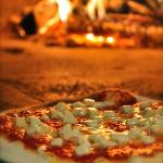 wood burning oven pizza