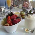Old Convent - a fruity breakfast