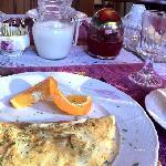 手作りのフワフワのオムレツ!中のチーズがとろけて最高に美味しい♪♪