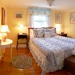 Beach Rose Room, Queen Bed, Ensuite Bath.