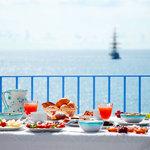colazione solo con prodotti arigianali di eccellenza locali, biologici ed equosolidali
