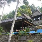 Restaurant (delicious food!) & sunbeds