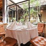 Fine dining in sumptuous elegance