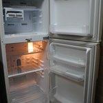 Clean fridge - new