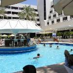 Отель Лагуна. Басейн и бар