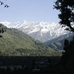 The Dhauladhar Range while walking to the falls