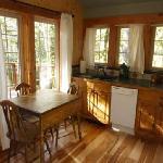Muir Cabin - kitchen