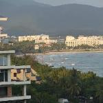 Lobby view to the Dadonghai beach area