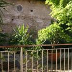Blick vom Balkon auf den Innenhof und die Santa Prisca