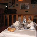 La salle du petit déjeuner , très cosy