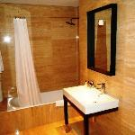 Tivoli Coimbra Hotel - Superior Room - bathroom