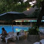 Pool at night, Dakak