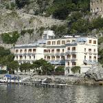 Picture of Hotel from main pier