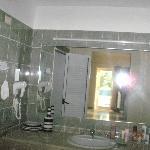 Badezimmertisch