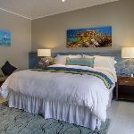 experience the finest bedding our guest rooms all have Serta Platinum Suite Mattresses