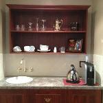 Kitchenette. Great single cup coffee machine!