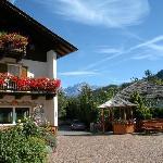 Hotel mit Rosengarten