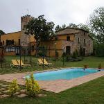 Jardín, Piscina y hotel.