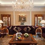 顿巴斯皇宫酒店