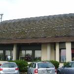 el lateral del hotel