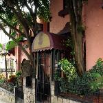 Hemingway Inn Entrance