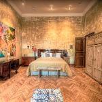 Tinei Room
