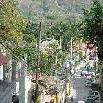 the short steep climb to hotel Calle Real