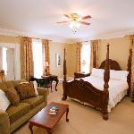 DesBarres Manor Inn Cook Room