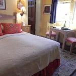 Pleasant B&B to look into staying at
