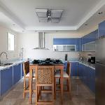 Sky-Blue Crystal Italian Kitchen.
