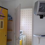 camera, vista su cucinino