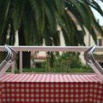 tavolino sul terrazzo