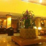 Lobby & Restaurant right behind - BEST FOOD!!