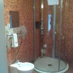 stanza 61 doccia