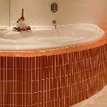 Jacuzzi bath for couple