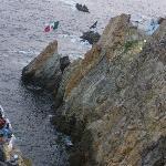 На шоу прыгунов со скалы можно достаточно дешево доехать на такси прямо из отеля