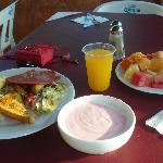 От такого завтрака в отеле - не похудеешь