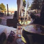 Räucherhaus und Chardonnay