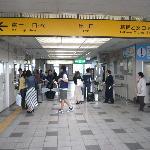 御殿場駅改札口/右にいくと乙女口