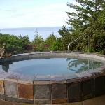 hot tub overlooking ocean