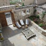 terrasse intérieure accessible aux 3 chambres