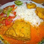 Almuerzo secundo; a-tun in coco (coconut) sauce