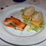 Antipasto : Costroni di polenta con baccala' con olio di oliva e calzoncino di bruschetta.