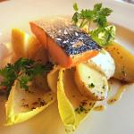 Hot smoked salmon starter (served cold)